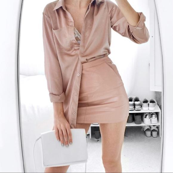 f1e4ac066b965 Forever 21 Tops - Satin blouse - Rose gold